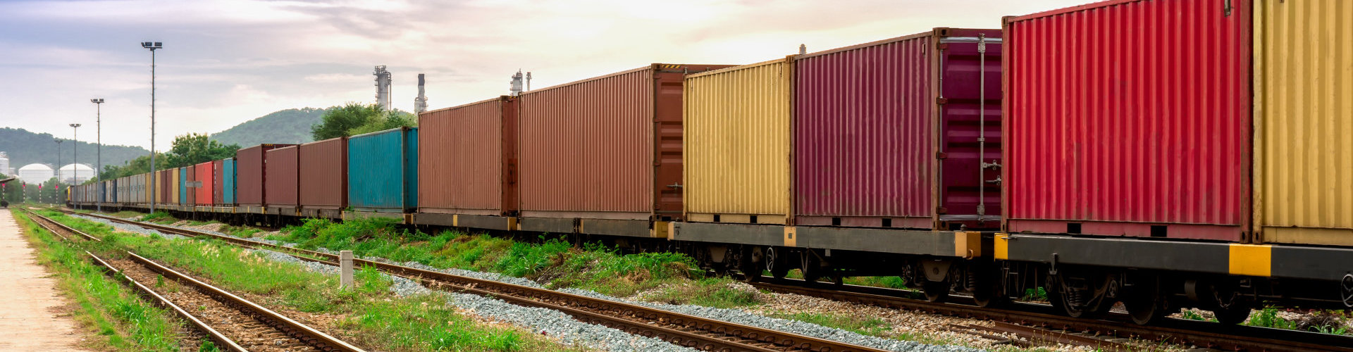 train carrying freight containers